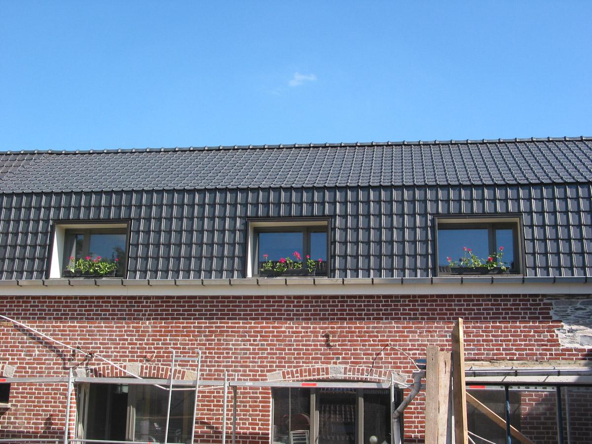 Travaux et r novation de toiture maco invest est le for Travaux et renovation